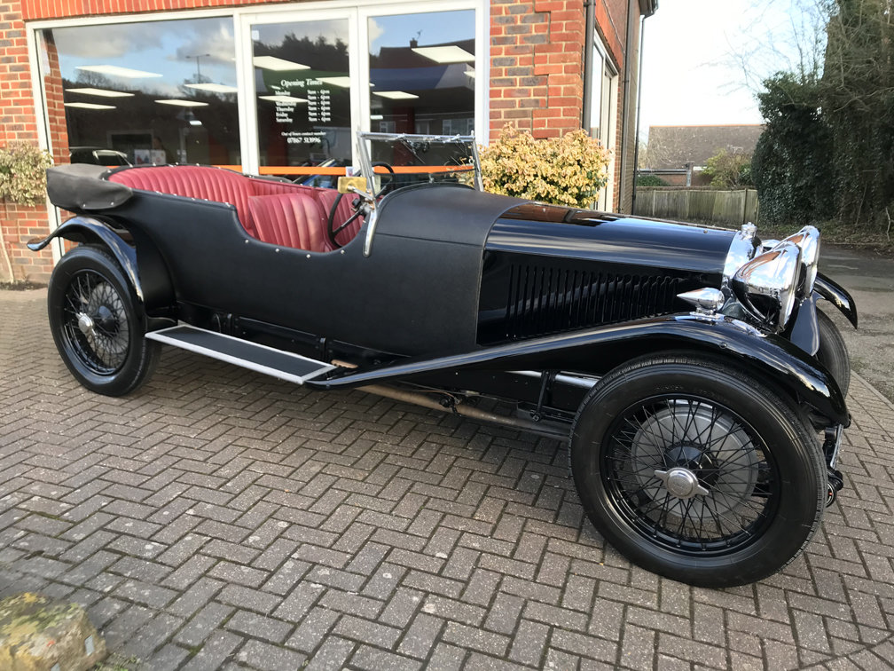 1930 LAGONDA 2-LITRE LOW CHASSIS SPEED MODEL TOURER SOLD (picture 1 of 6)
