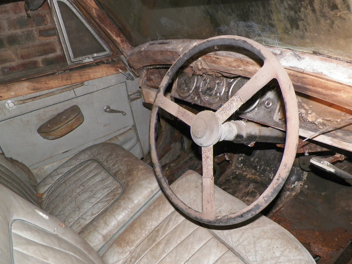1950 Lagonda 2.6 Ltr with Engine & Gearbox. Garage Find For Sale (picture 3 of 6)