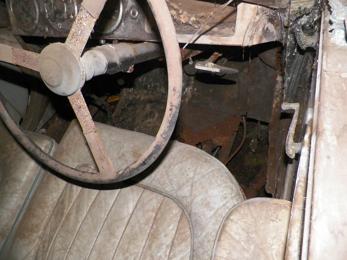 1950 Lagonda 2.6 Ltr with Engine & Gearbox. Garage Find For Sale (picture 4 of 6)