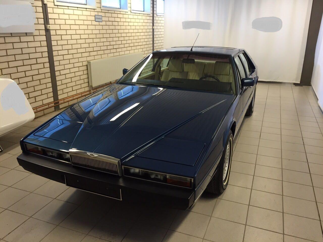 1986 Aston Martin Lagonda Series 2 for sale For Sale (picture 1 of 3)
