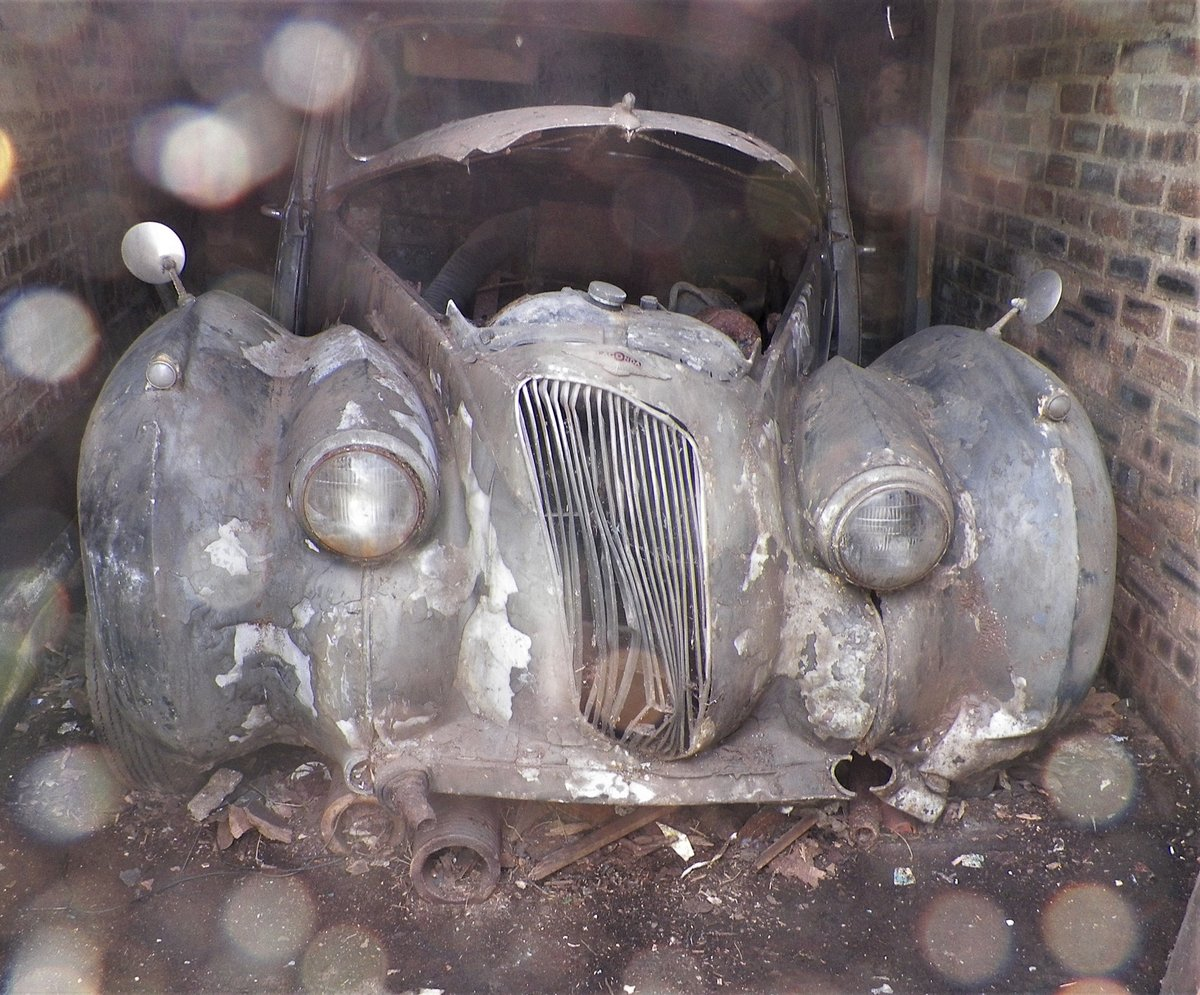 1950 Lagonda 2.6 Ltr with Engine & Gearbox. Garage Find For Sale (picture 6 of 6)
