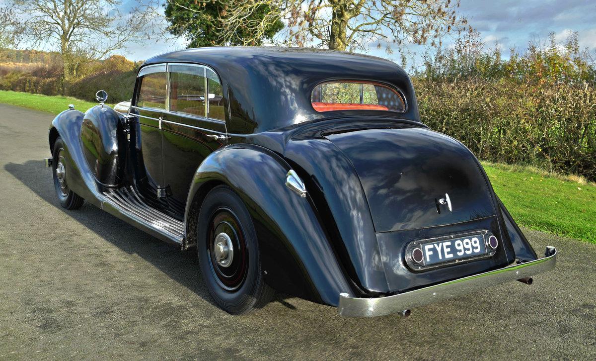 1939 LAGONDA V12 SPORTS SALOON For Sale (picture 2 of 3)