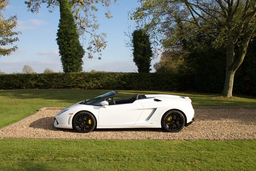 2011 Lamborghini Gallardo LP560-4 Spyder 1 owner from new FLSH For Sale (picture 2 of 6)
