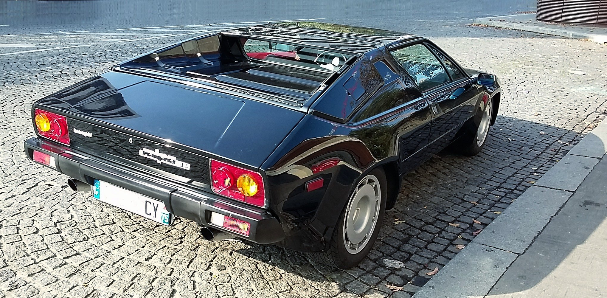 1984 The top-gun V8 Lambo, only 300 LHD Euro [TOO LATE] For Sale (picture 2 of 6)