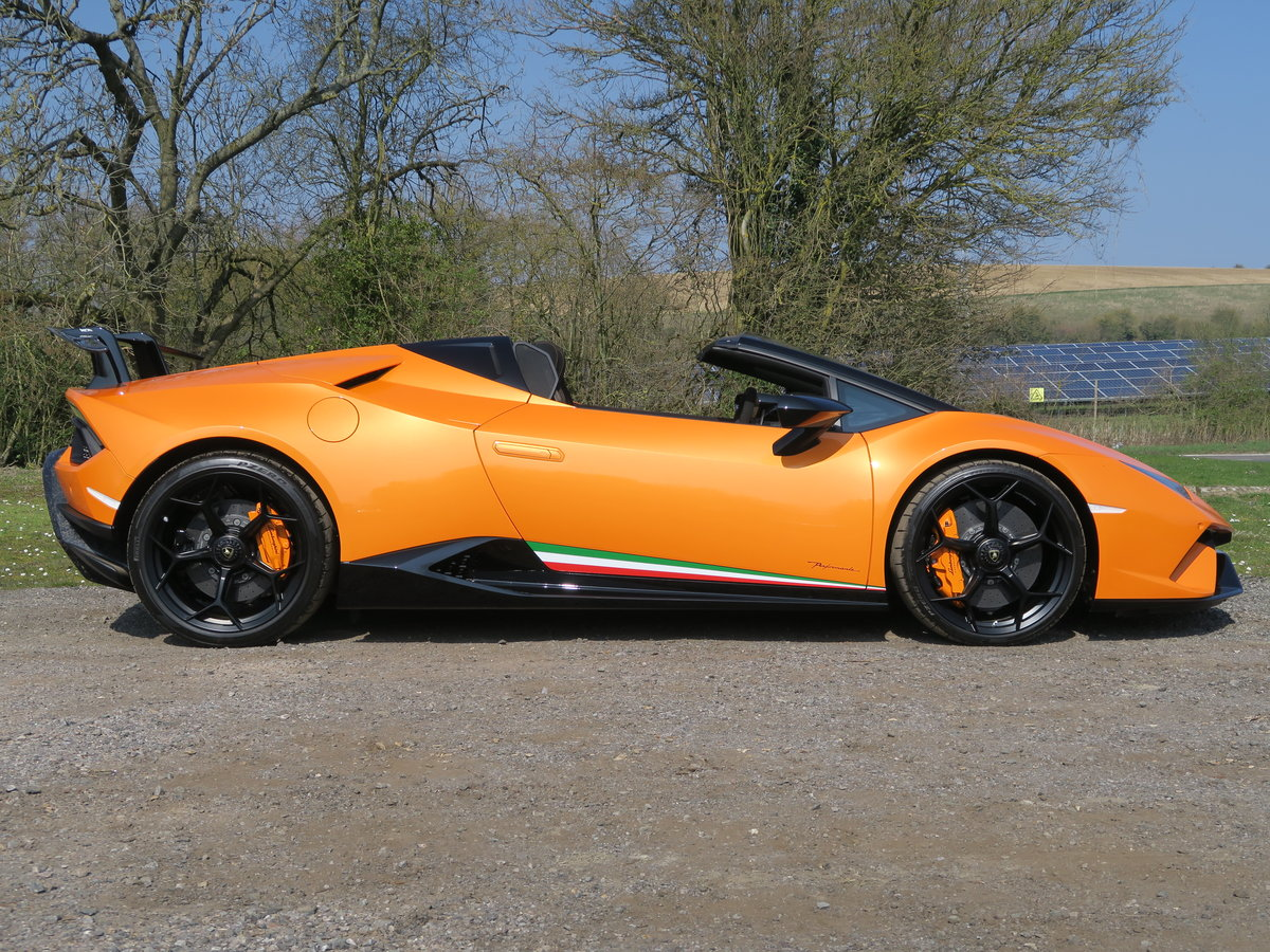 2019 Lamborghini Huracan Performante Spyder VAT Qualifying SOLD (picture 2 of 6)
