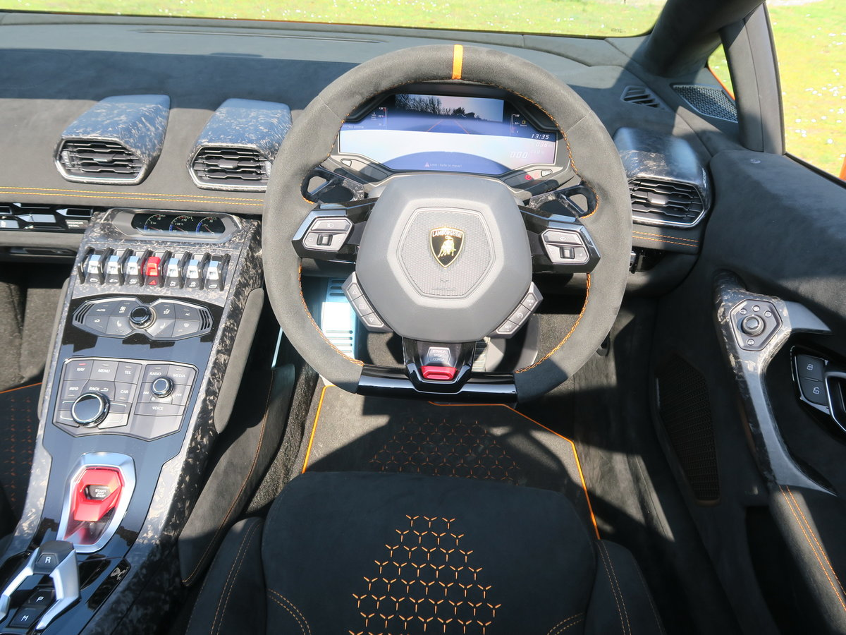 2019 Lamborghini Huracan Performante Spyder VAT Qualifying SOLD (picture 4 of 6)