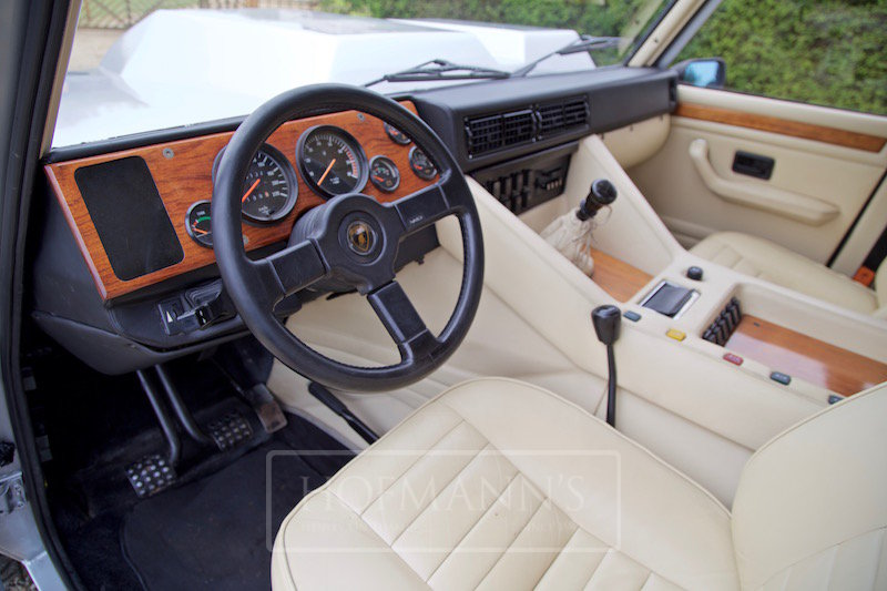 1987 Lamborghini LM 002 For Sale (picture 3 of 6)