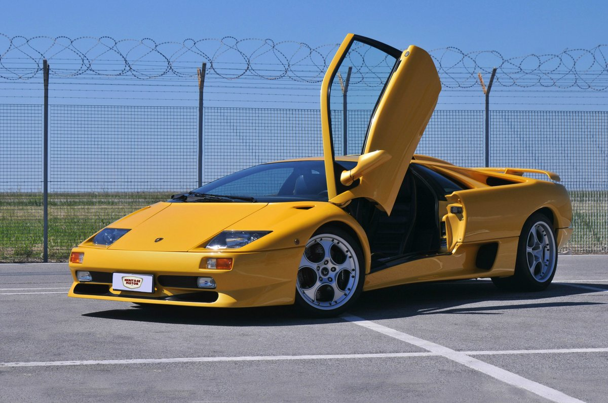 1995 Lamborghini Diablo VT (SV) For Sale (picture 2 of 6)
