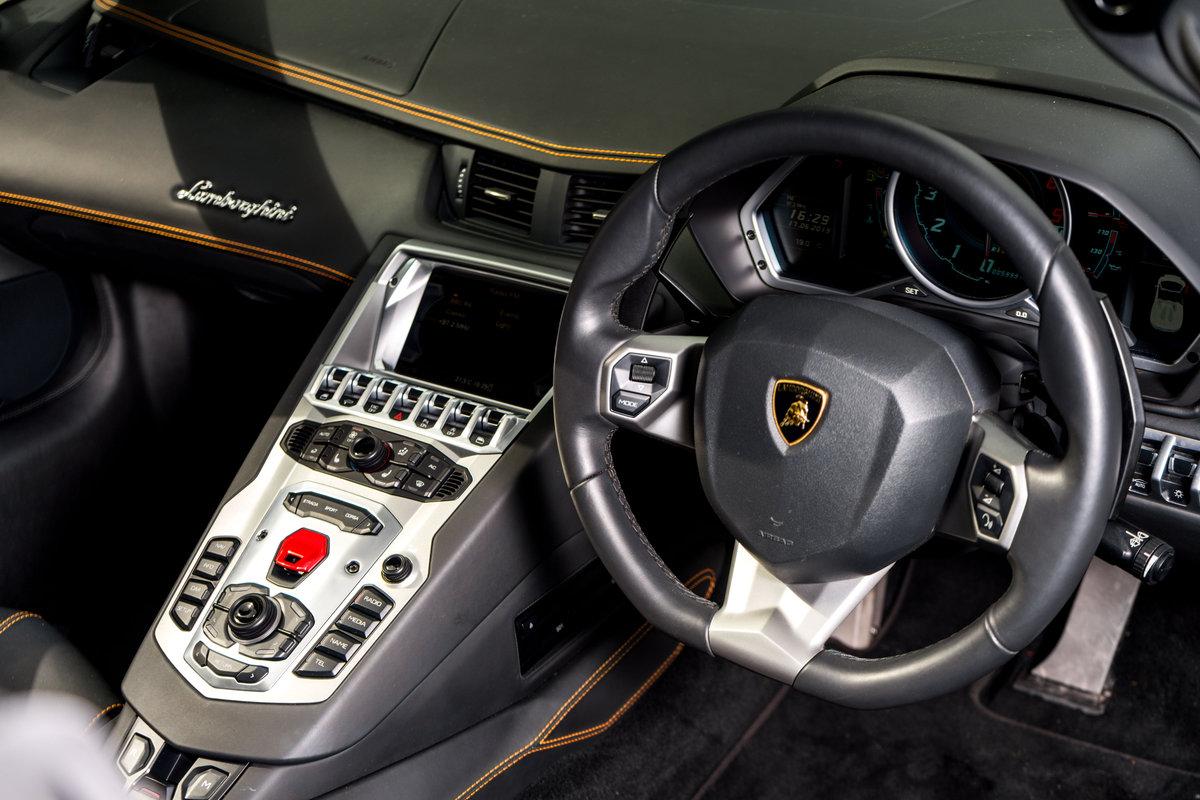 Lamborghini Aventador LP 700-4 Roadster 2014 For Sale (picture 4 of 6)