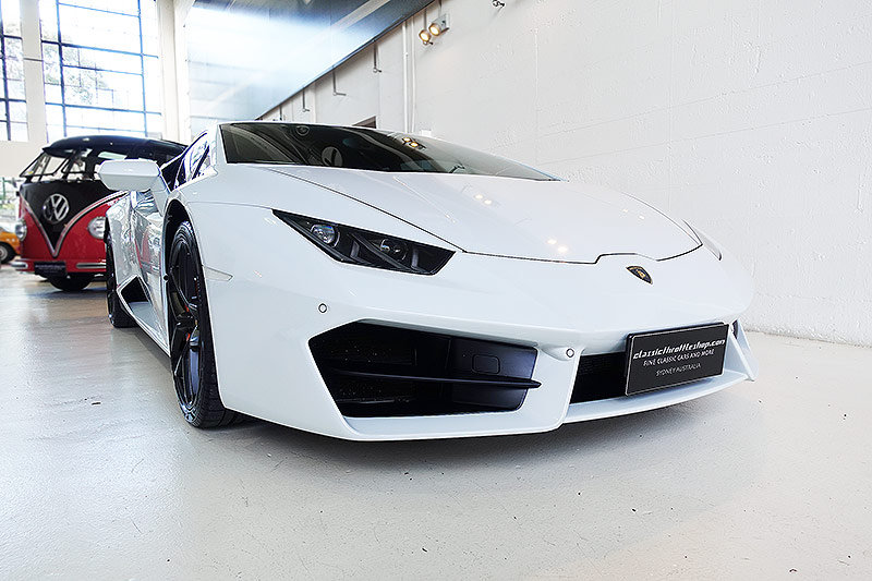 2016 Lamborghini Huracan LP580-2, stunning, 6,600 kms only SOLD (picture 1 of 6)