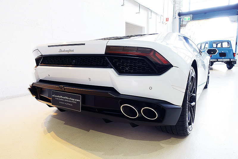 2016 Lamborghini Huracan LP580-2, stunning, 6,600 kms only SOLD (picture 2 of 6)