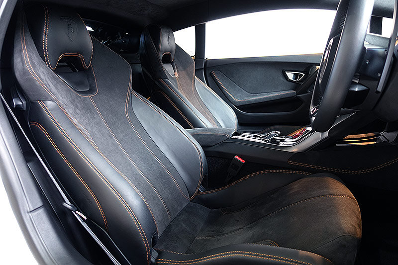 2016 Lamborghini Huracan LP580-2, stunning, 6,600 kms only SOLD (picture 5 of 6)