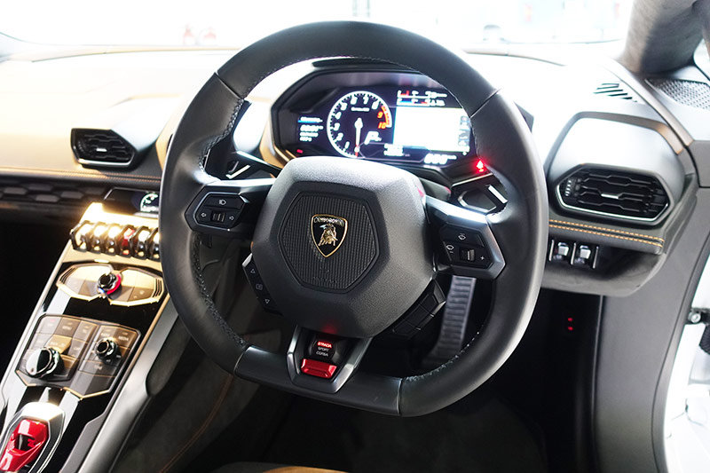 2016 Lamborghini Huracan LP580-2, stunning, 6,600 kms only SOLD (picture 6 of 6)