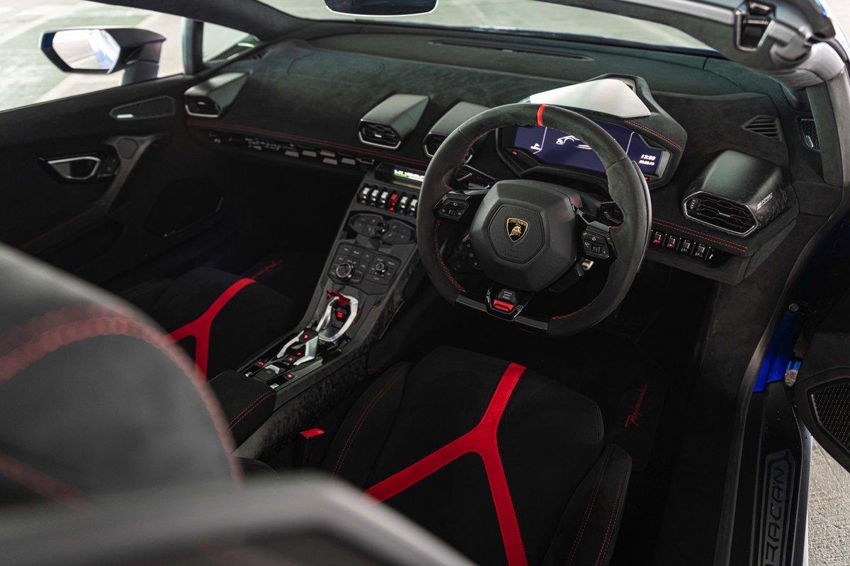 2018 (68) Lamborghini Huracan Performante Spyder For Sale (picture 6 of 6)