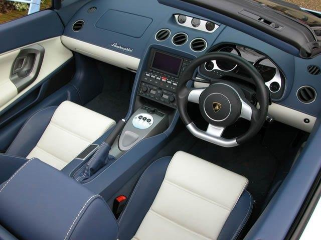 2007 ROD STEWART'S NEW GALLARDO SPYDER WITH 3200 MLS FOR SALE For Sale (picture 5 of 6)