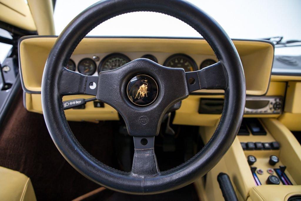 1984 Lamborghini Countach Coupe Euro-spe Black(~)Tan $349.5k For Sale (picture 4 of 6)