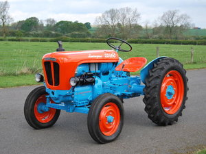1960 LAMBORGHINI DL20 2241R TRACTOR For Sale by Auction