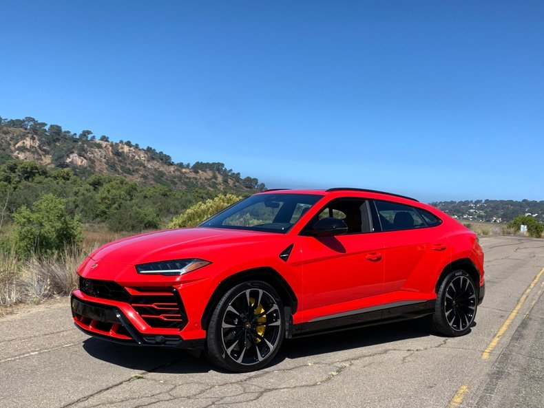 2019 Lamborghini Urus SUV AWD Fast 650-HP only 1.7k miles For Sale (picture 1 of 6)