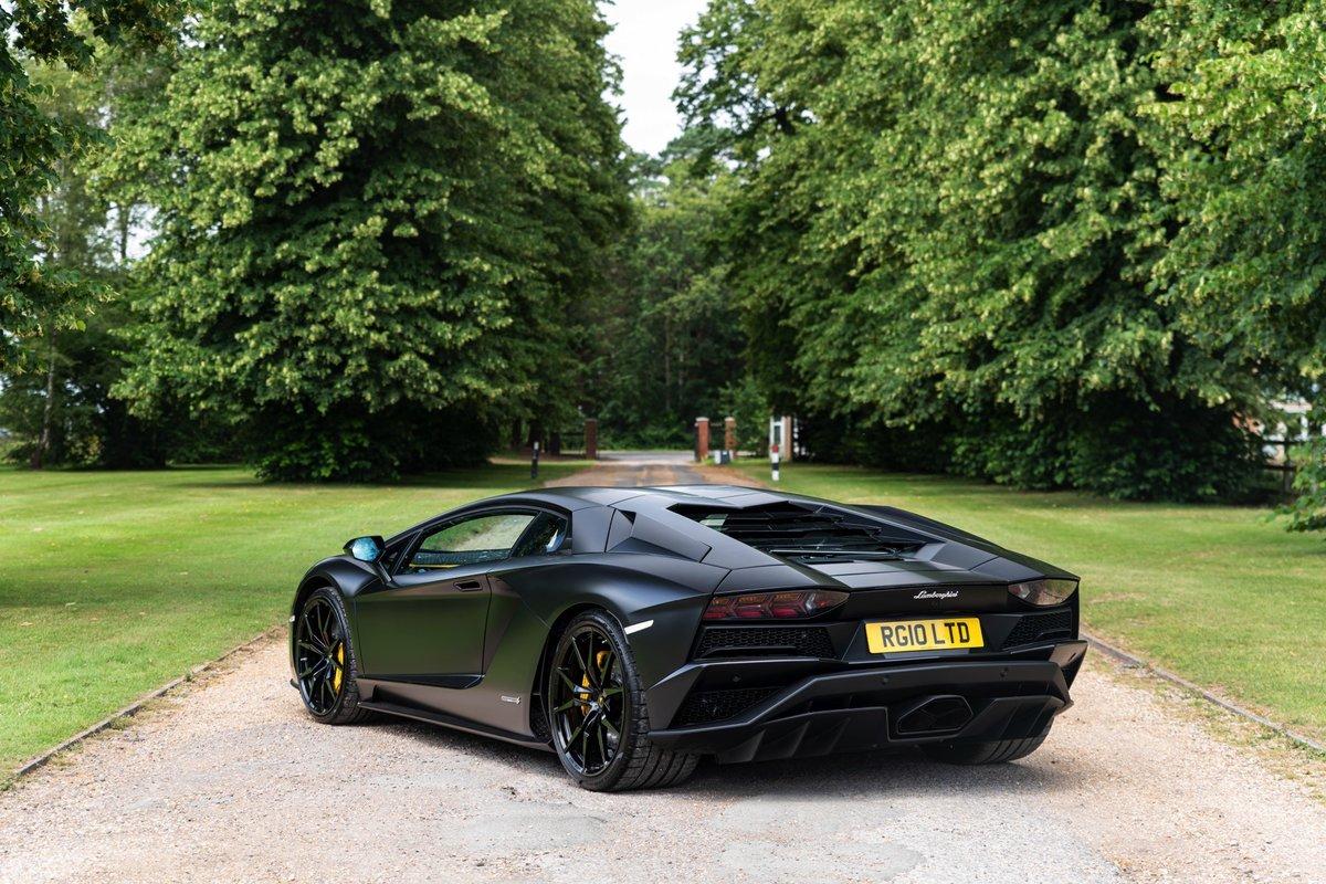 2017 (17) Lamborghini Aventador S - £229,995 For Sale (picture 3 of 6)
