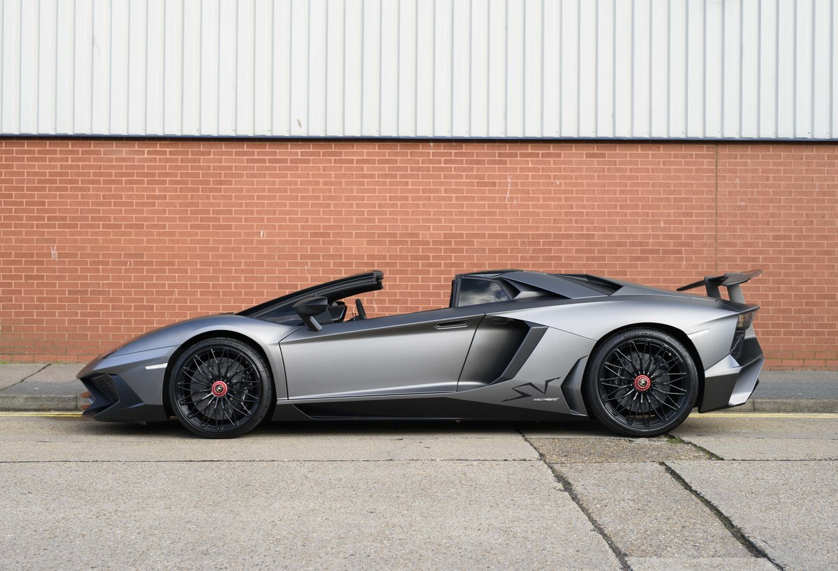 2016 Lamborghini Aventador LP750-4 SV Roadster (RHD) For Sale (picture 7 of 24)