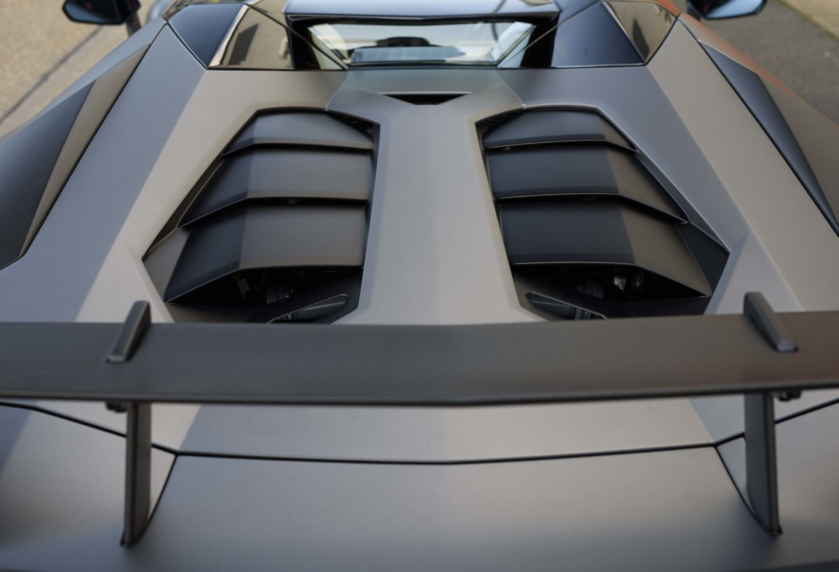 2016 Lamborghini Aventador LP750-4 SV Roadster (RHD) For Sale (picture 14 of 24)