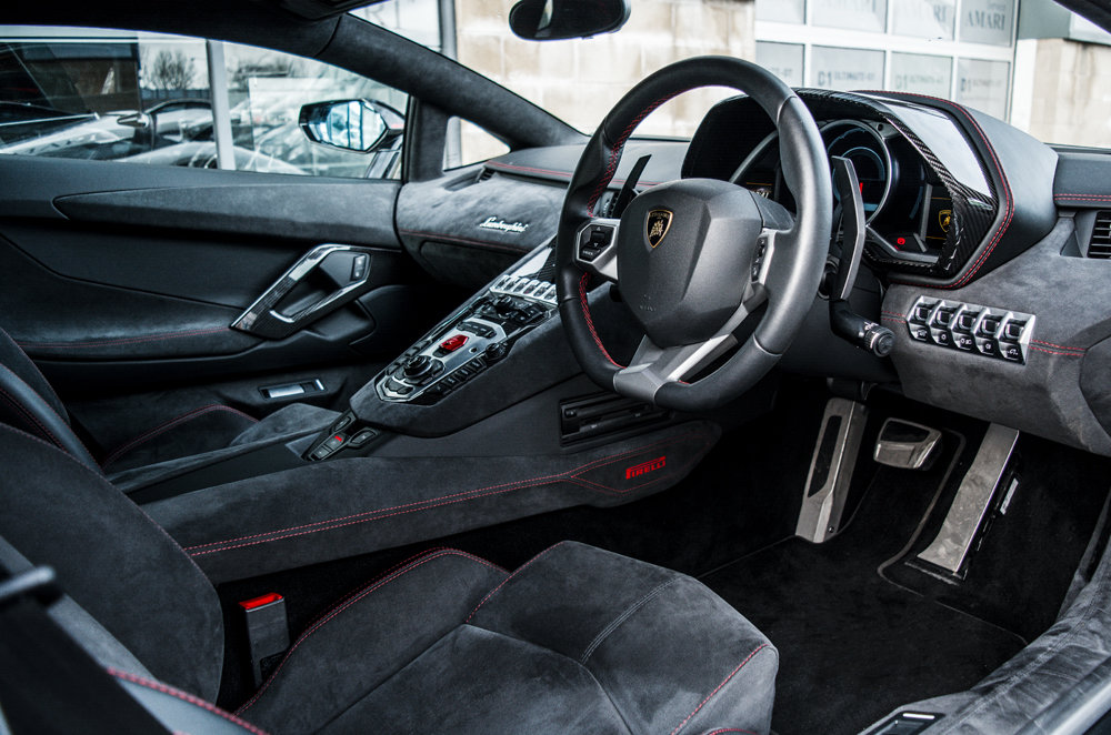 2016 65 Lamborghini Aventador Pirelli Coupe Limited Edition For Sale (picture 4 of 6)