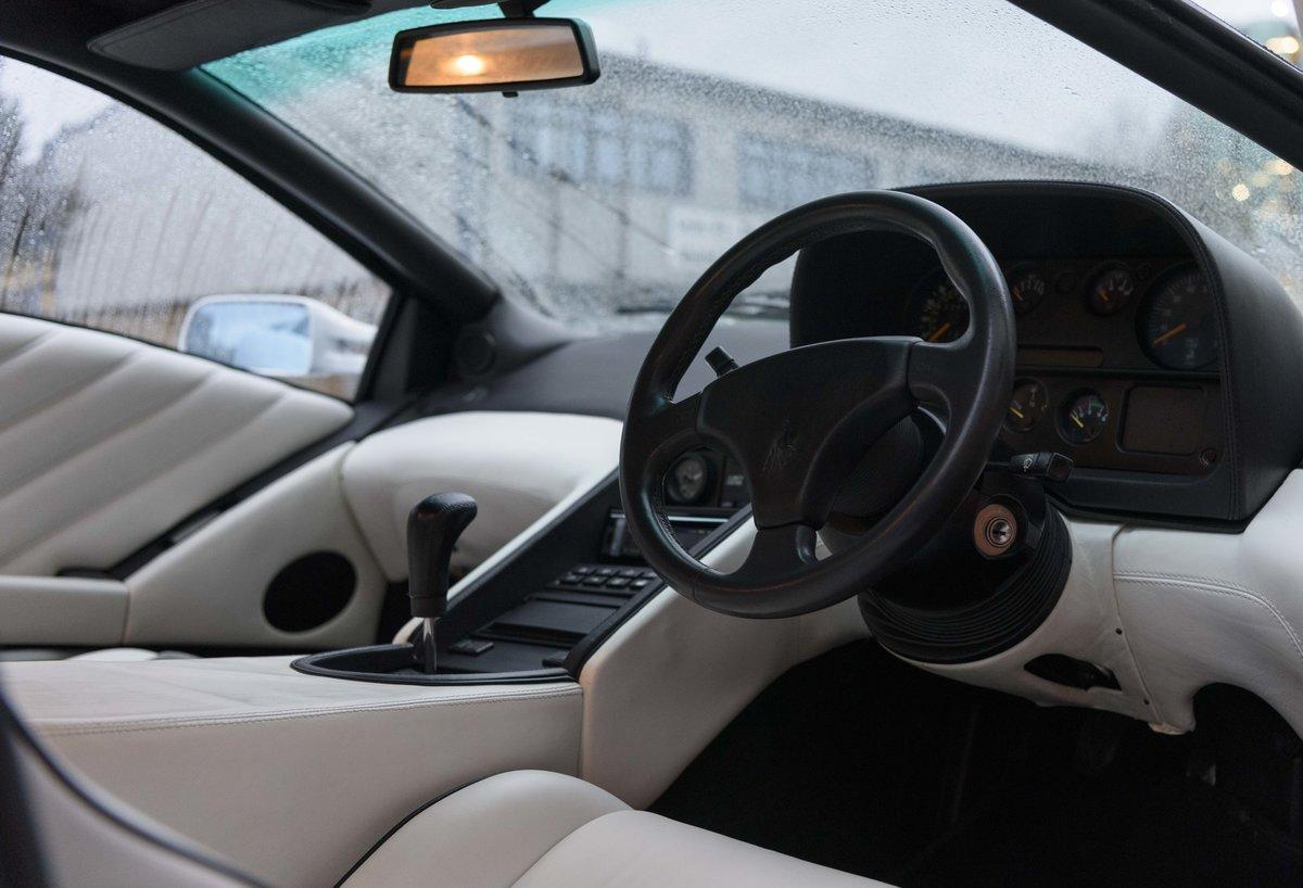 1993 Lamborghini Diablo (RHD) For Sale (picture 14 of 21)