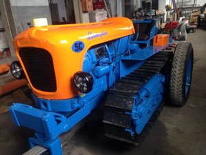 1968 Tractor crawler 5c with original wheels kit