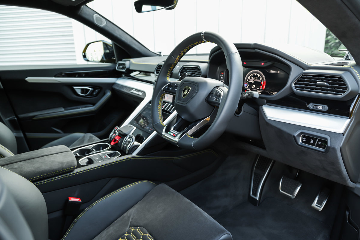 2019 Lamborghini Urus For Sale (picture 7 of 10)