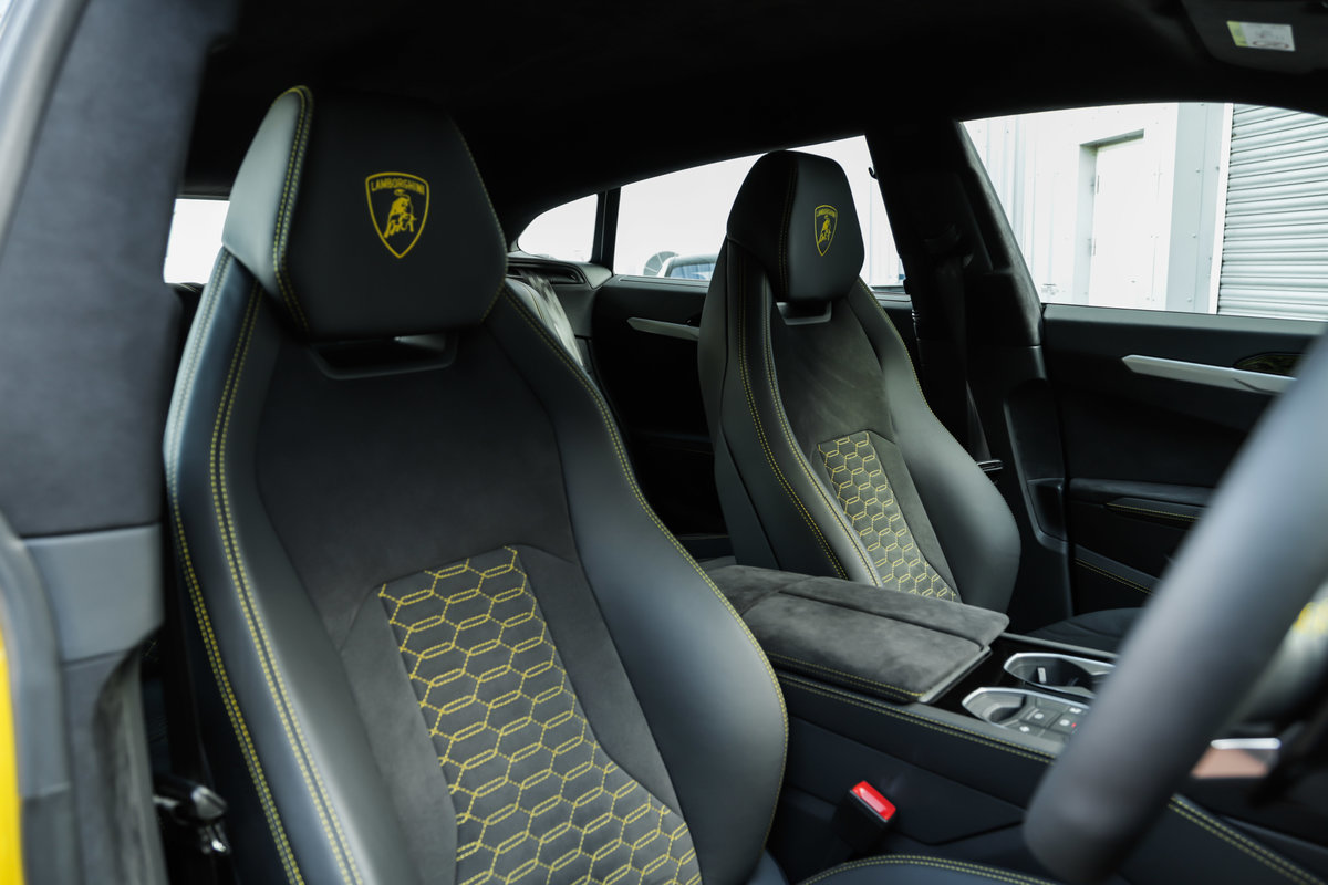 2019 Lamborghini Urus For Sale (picture 8 of 10)