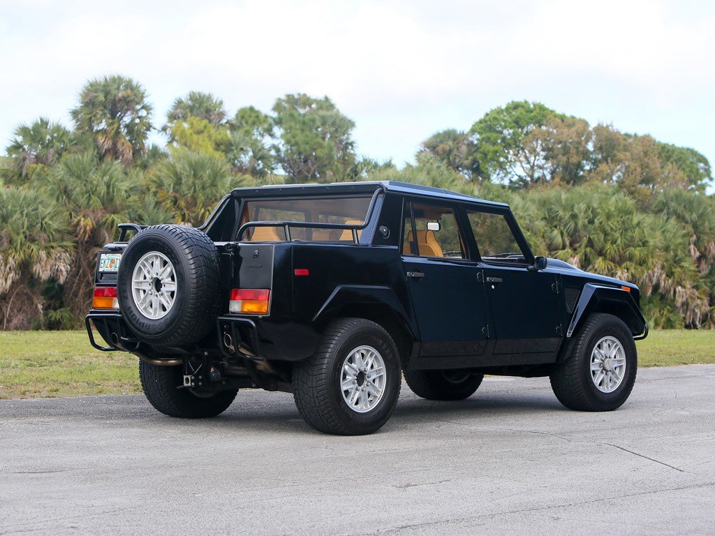 1992 Lamborghini LM002  For Sale by Auction (picture 2 of 6)