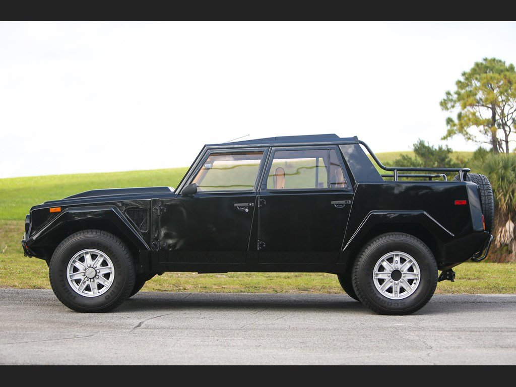 1992 Lamborghini LM002  For Sale by Auction (picture 5 of 6)