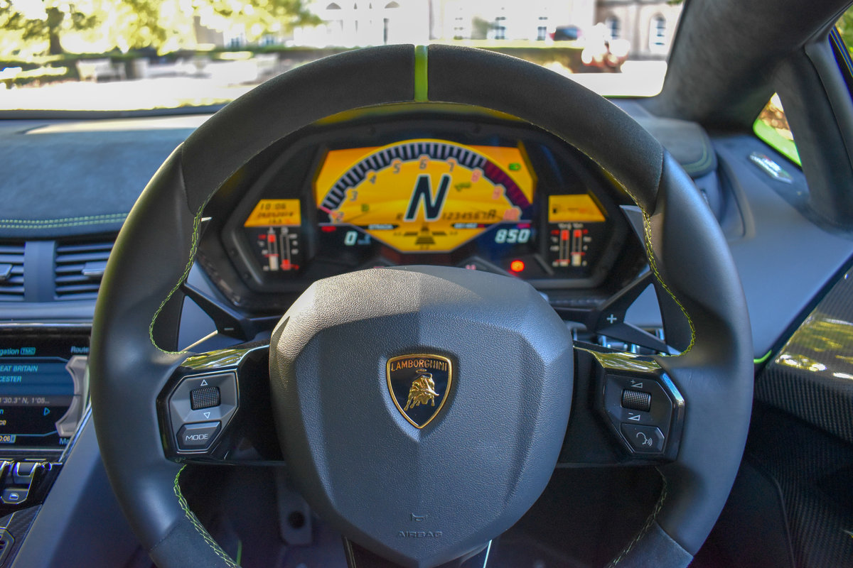 2016 Aventador SV Coupe For Sale (picture 4 of 6)