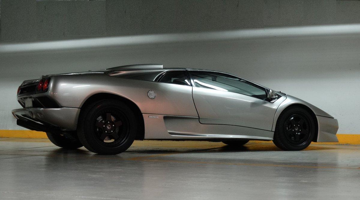 1997 Lamborghini Diablo SV, Titanium over Torpedo Nero For Sale (picture 2 of 6)
