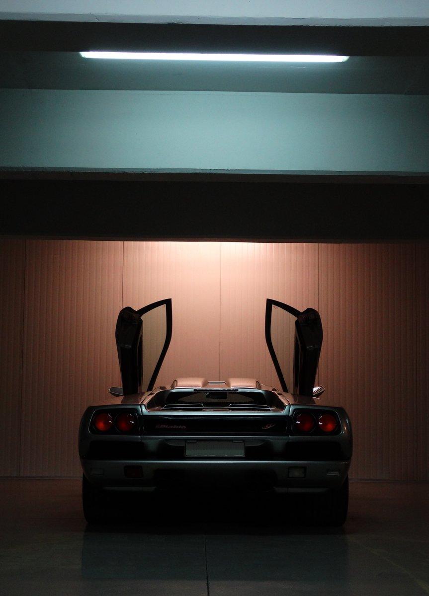 1997 Lamborghini Diablo SV, Titanium over Torpedo Nero For Sale (picture 6 of 6)