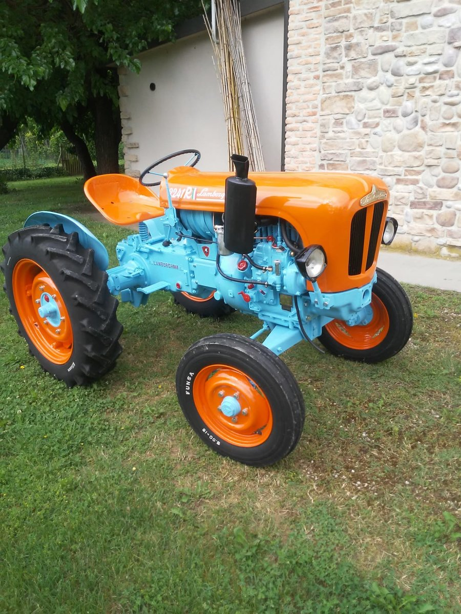 1960 Lamborghini tractor oldtimer 2241R restoration SOLD (picture 2 of 6)