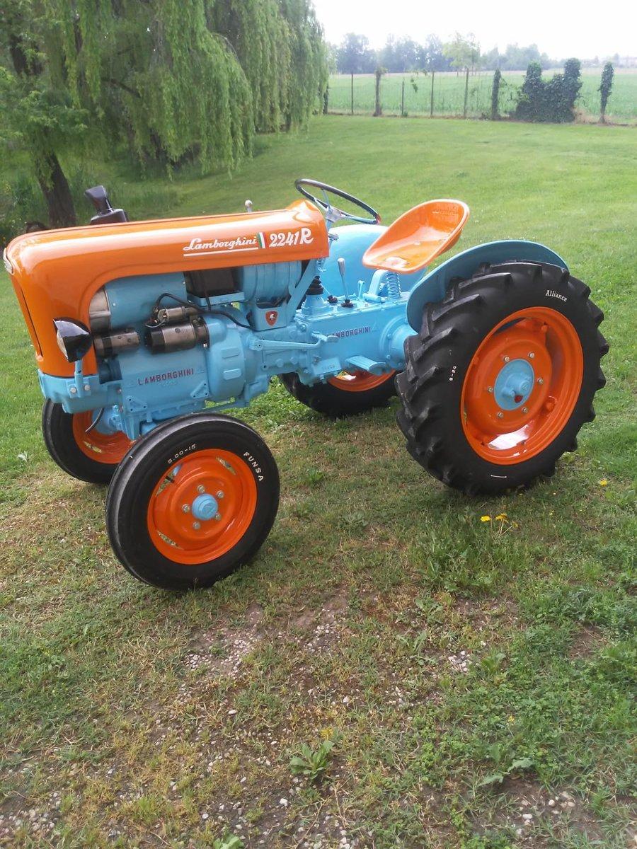 1960 Lamborghini tractor oldtimer 2241R restoration SOLD (picture 4 of 6)