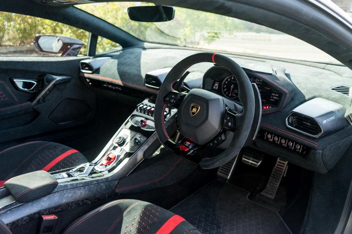 2017 Lamborghini Huracan Performante  SOLD (picture 4 of 6)