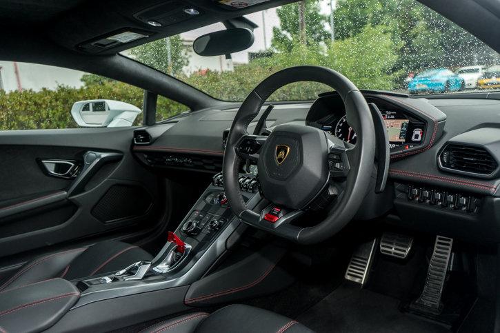 Lamborghini Huracan 2015 SOLD (picture 6 of 6)