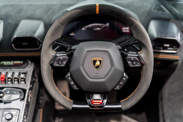 Lamborghini Huracan Perfomante Spyder 2019 SOLD (picture 6 of 6)