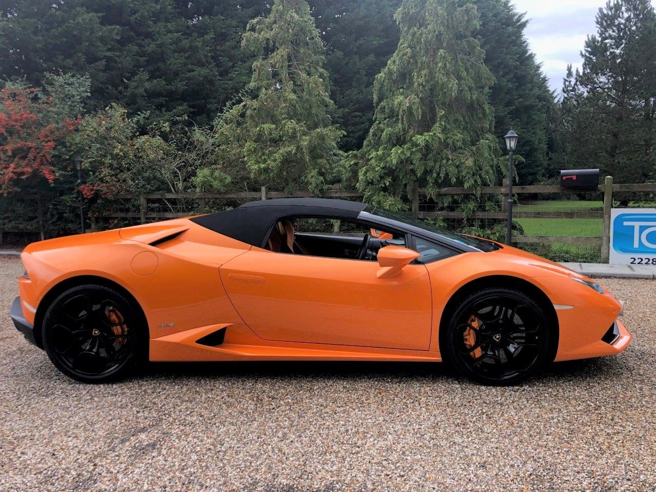 2017 Lamborghini Huracan LP610-4 AWD Spyder  For Sale (picture 3 of 6)