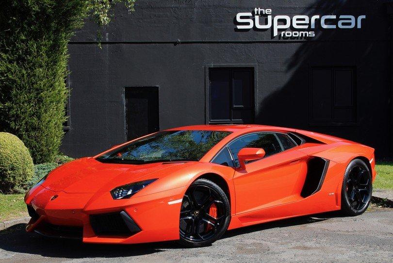 Lamborghini Aventador - 2013 - 19K Miles For Sale (picture 1 of 6)