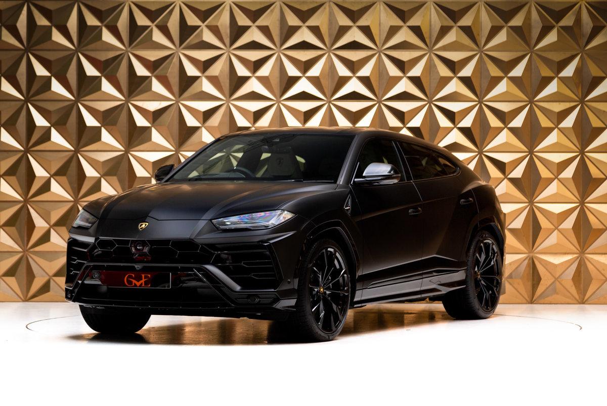 2020 Lamborghini Urus SOLD (picture 2 of 12)