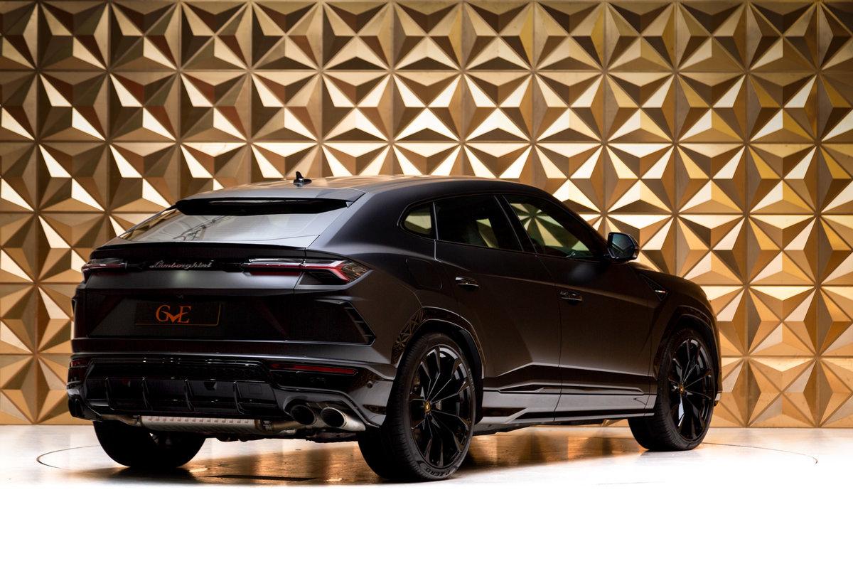 2020 Lamborghini Urus SOLD (picture 3 of 12)