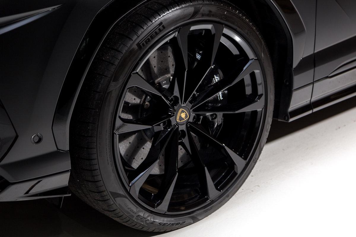 2020 Lamborghini Urus SOLD (picture 5 of 12)