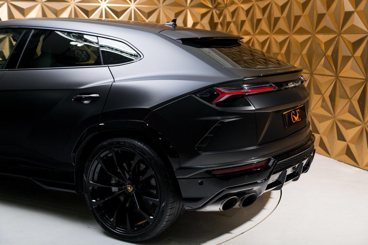 2020 Lamborghini Urus SOLD (picture 6 of 12)