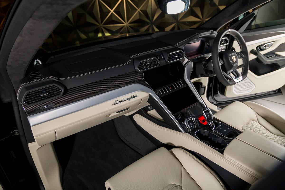 2020 Lamborghini Urus SOLD (picture 12 of 12)