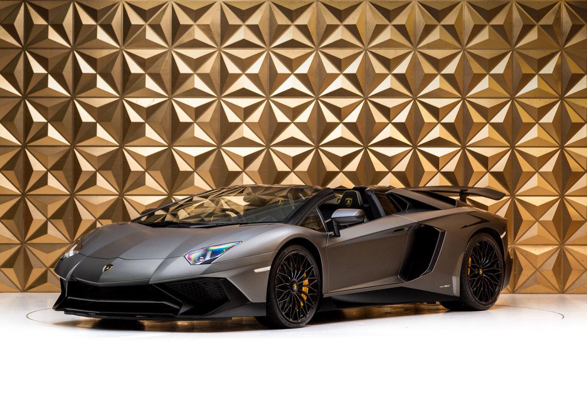 2016 Lamborghini Aventador SV Roadster For Sale (picture 3 of 12)