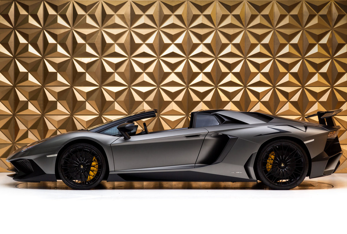2016 Lamborghini Aventador SV Roadster For Sale (picture 4 of 12)