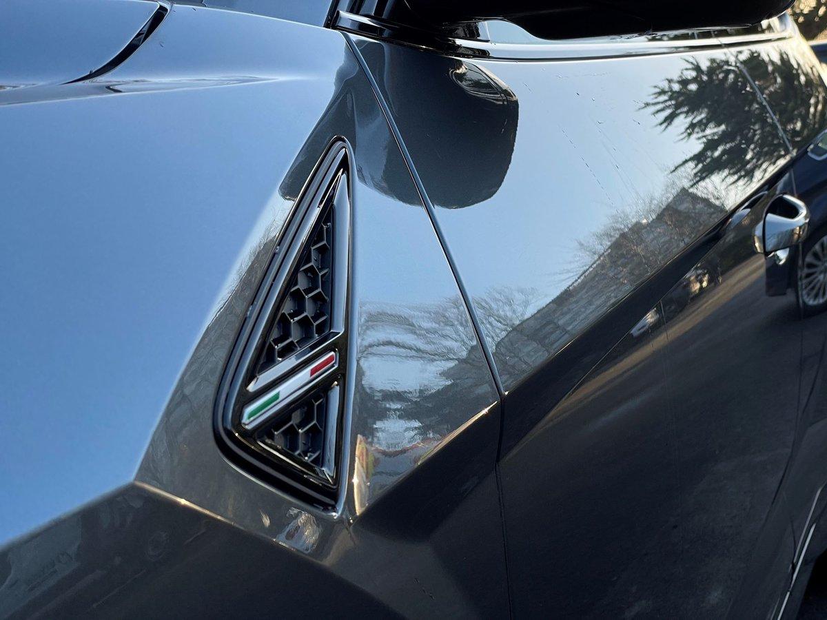 2020 Lamborghini URUS SOLD (picture 12 of 20)